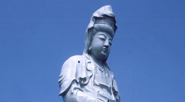 The Takasaki white coat Kannon